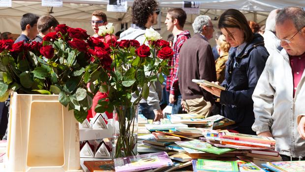 Sant Jordi, rosas y libros