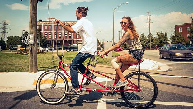 Hipster en bici