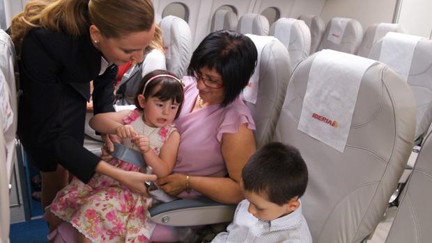 Familia en avión