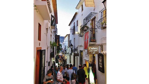 calle tipica altea