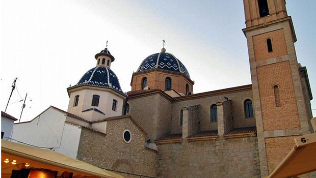 iglesia dos cupulas altea