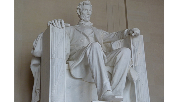 Figura de Abraham Lincoln en el Lincoln Memorial de Washington