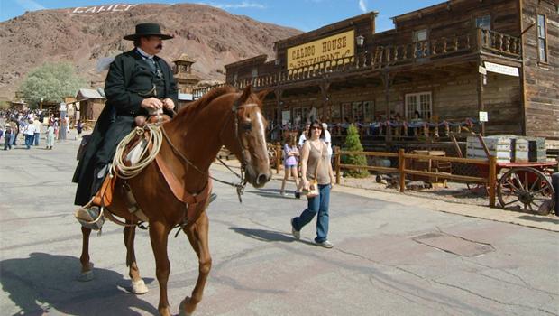 hombre a caballo Calico