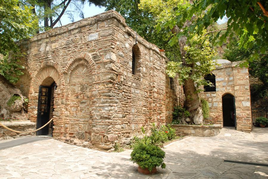 Capilla bizantina en las ruinas de la Casa de la Virgen María.