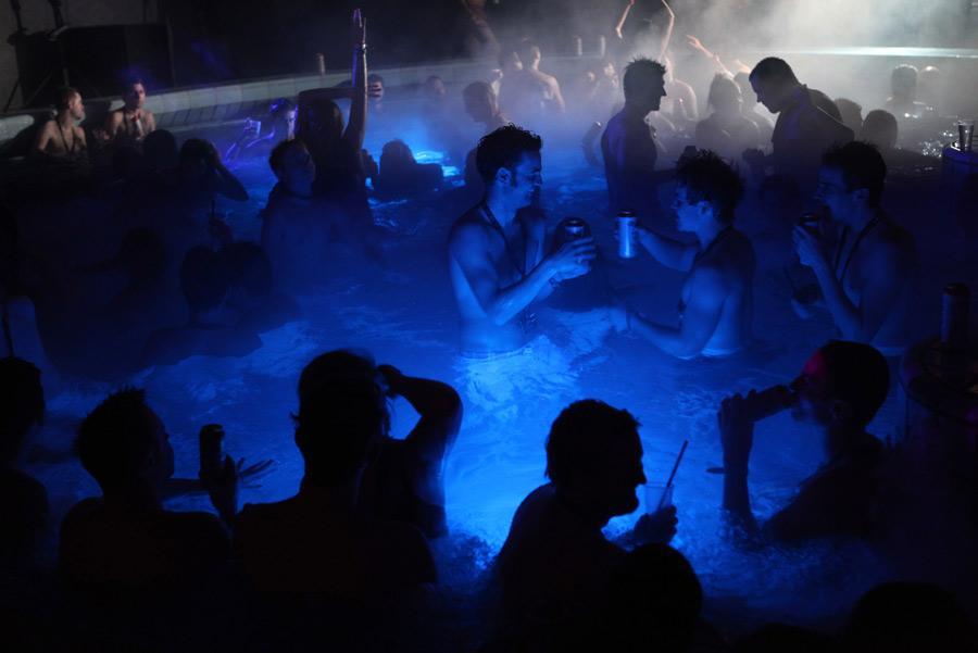 Las 'sparties' tienen lugar los sábados en Szechenyi Bath o Lukacs Bath , según la época del año. Foto: Vladimir Wrangel / Shutterstock.com