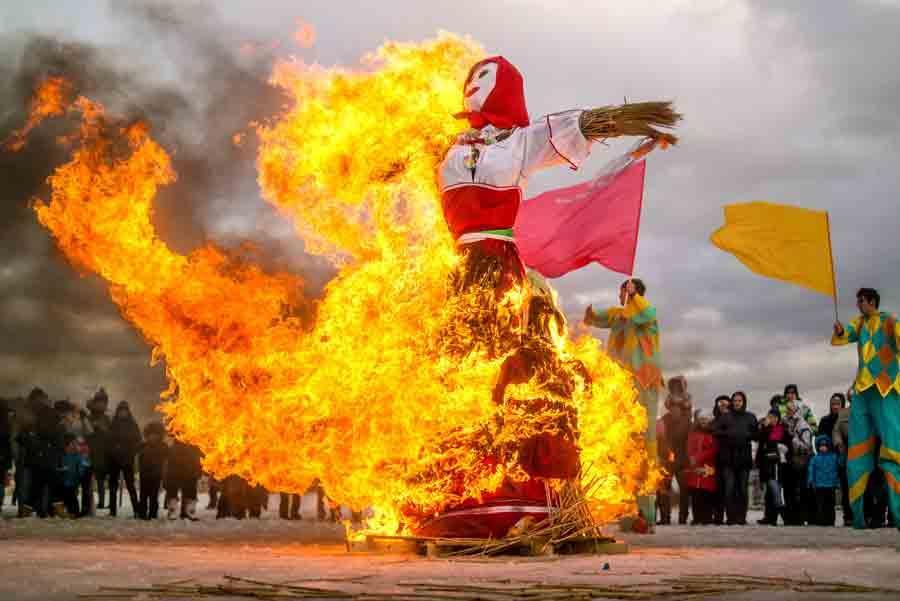 Festividad de Máslenitsa en San Petersburgo, Rusia. Foto: Oleg Proskurin / Shutterstock.com