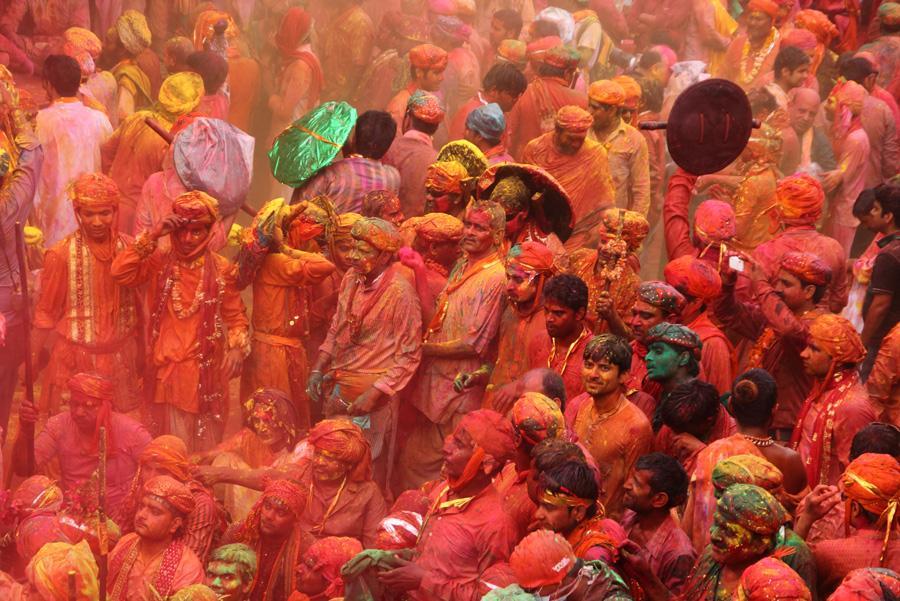 El festival hindú Holi conmemora la llegada de la primavera. Foto: Tukaram Karve / Shutterstock.com