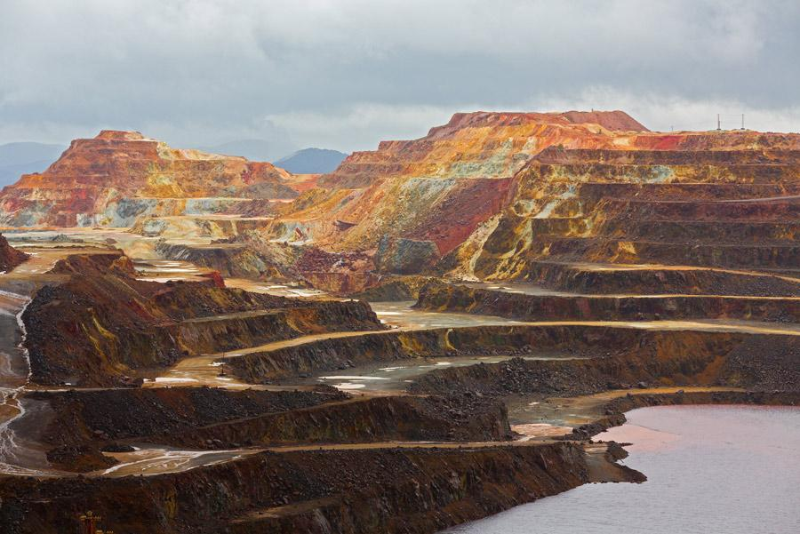 Escalones comunicantes de las minas en forma de espiral. Autor:FCG / Shutterstock
