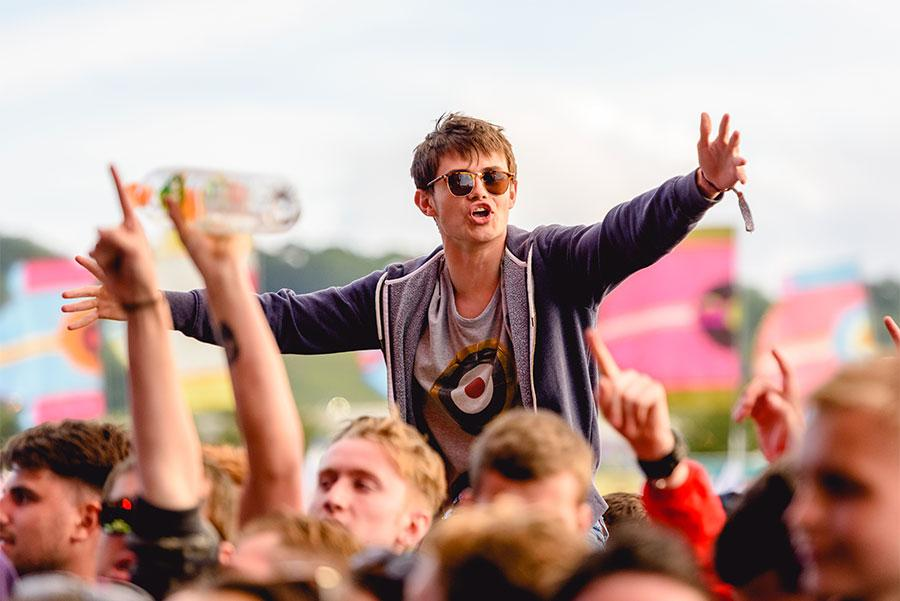 Glastonbury Glas.Anthony Mooney / Shutterstock.com