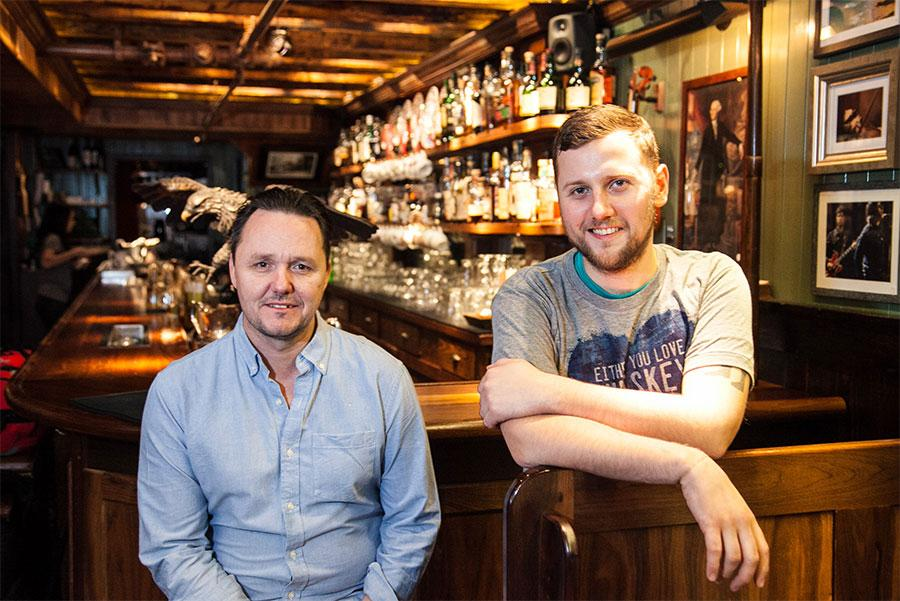 Sean Muldoon y Jack McGarry, fundadores de The Dead Rabbit Grocery & Grog
