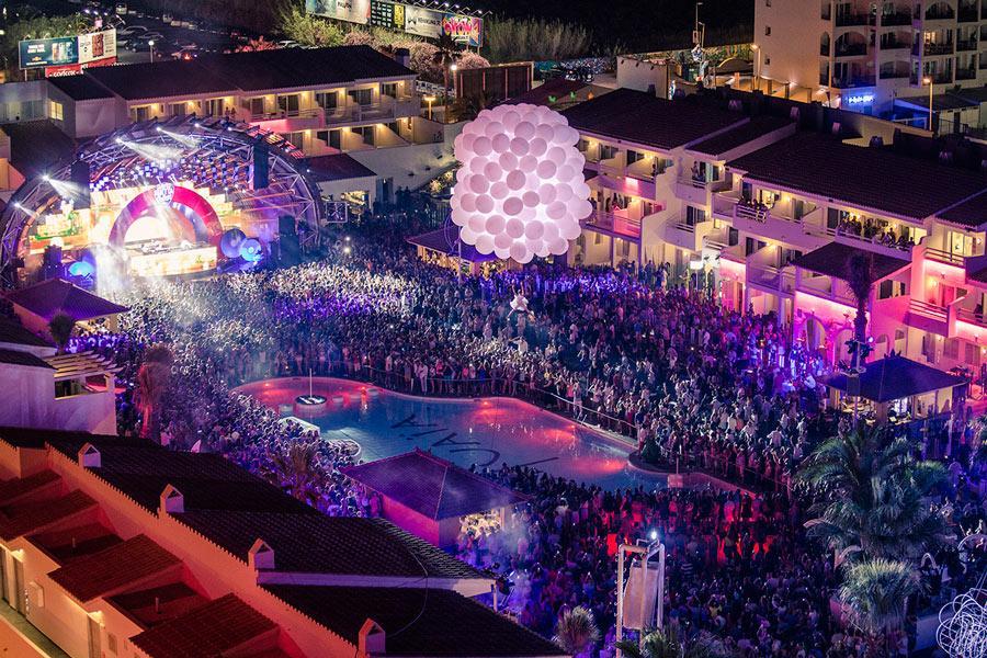 Espectáculo en directo en Ushuaia Club, Ibiza.