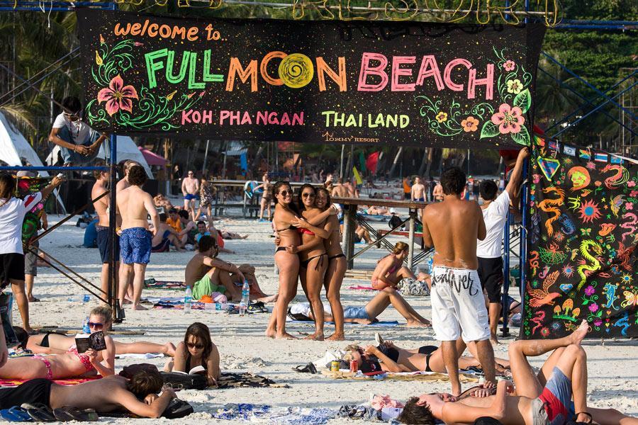 Festival Full Moon Party en Koh Phangan, Tailandia. Foto: OlegD / Shutterstock.com