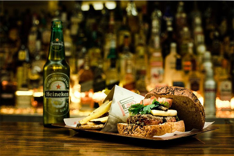 Hamburguesa en Cafetería HD Foto: Juan David Cortés