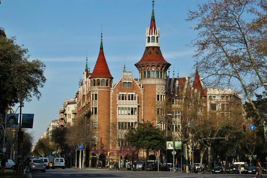 barcelona-casa-les-punxes-guias-viajar