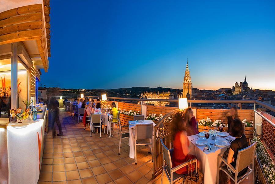 Terraza de la azotea del Hotel Carlos V. Toledo Capital Española de la Gastronomía