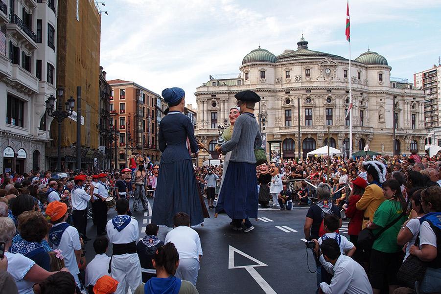 Semana Grande de Bilbao. Jarno Gonzalez Zarraonandia / Shutterstock.com