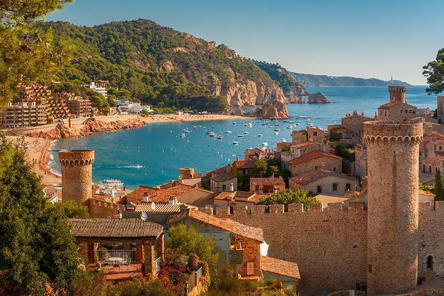 Vistas desde la fortaleza de Tossa de Mar.