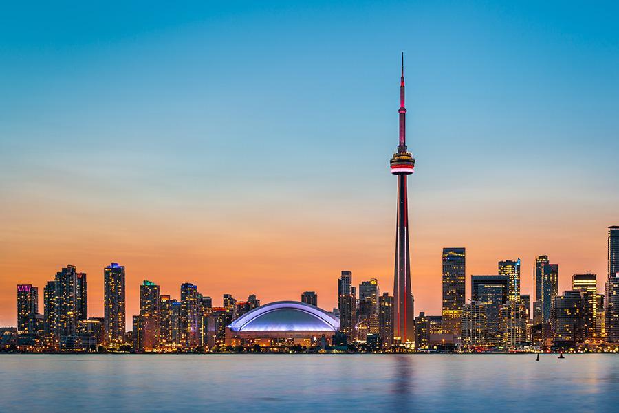 Vista nocturna del 'skyline' de Toronto