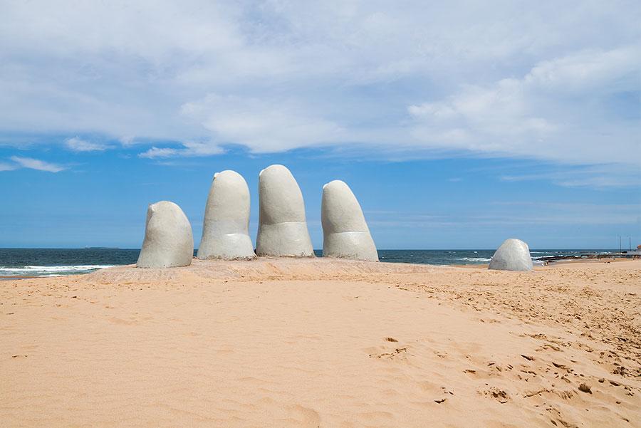 La Mano', símbolo de Punta del Este.