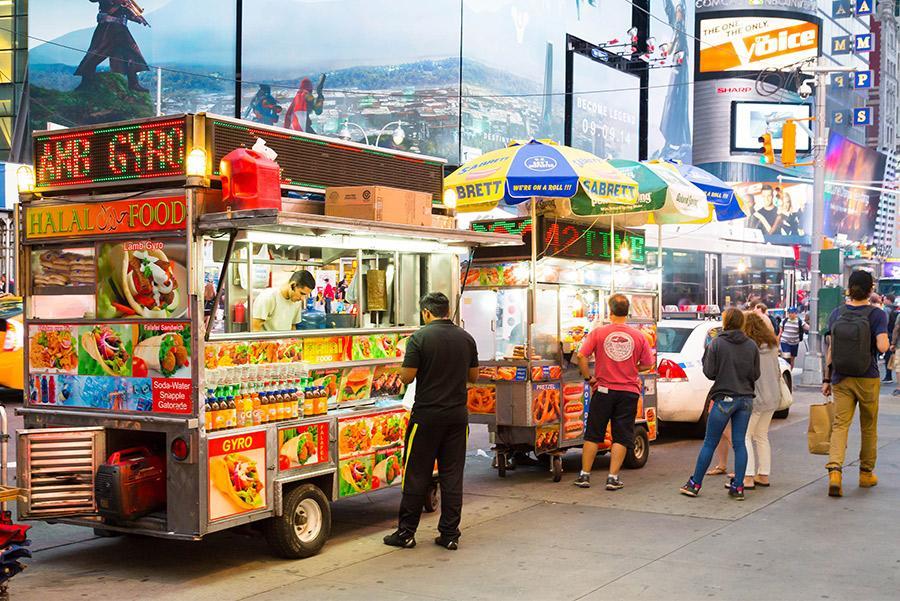 'Street food' en Nueva York. mikecphoto / Shutterstock.com