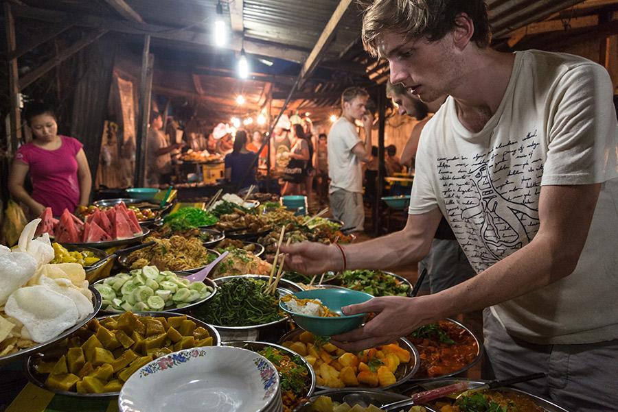 Puesto de frituras en Nueva Delhi, India. Travel Stock / Shutterstock.com