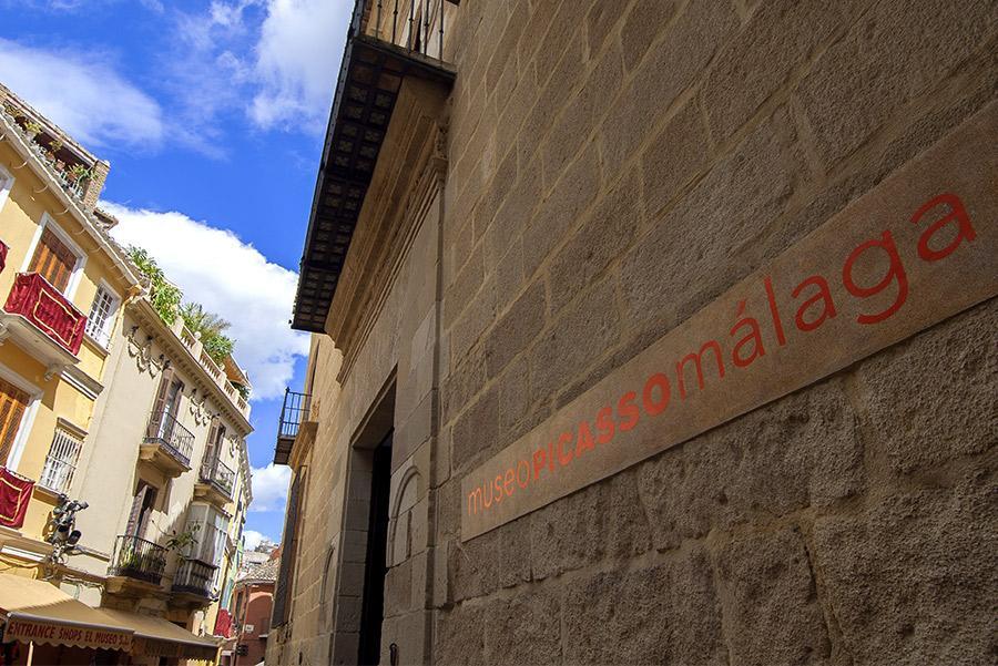 Museo Picasso Málaga. klublu / Shutterstock.com