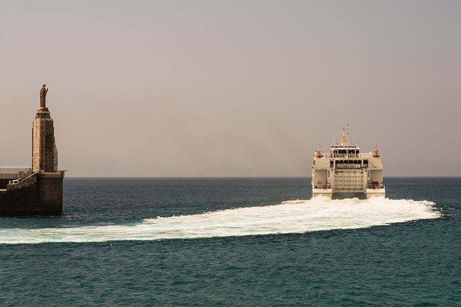 Ferry entre Tarifa y Tánger. Foto: Marcelina Zygula / Shutterstock.com