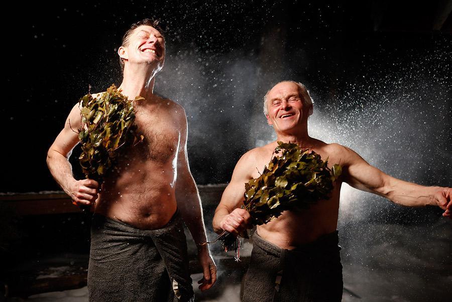 Ramas de abedul en la sauna. Visit Finland