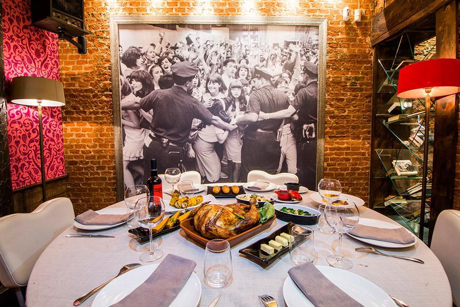 Mesa del Restaurante Pecado Carnal para el Día de Acción de Gracias.