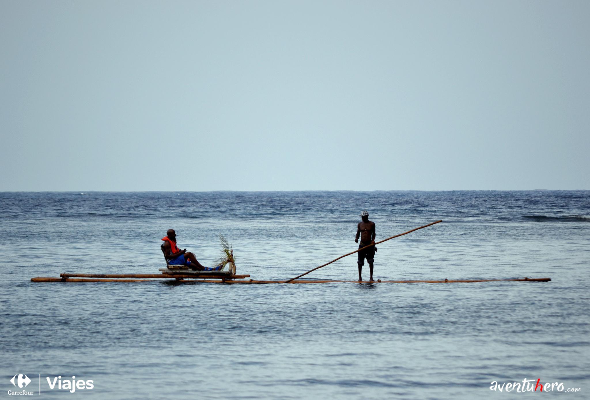 Aventuhero - Bamboo Rafting en Jamaica