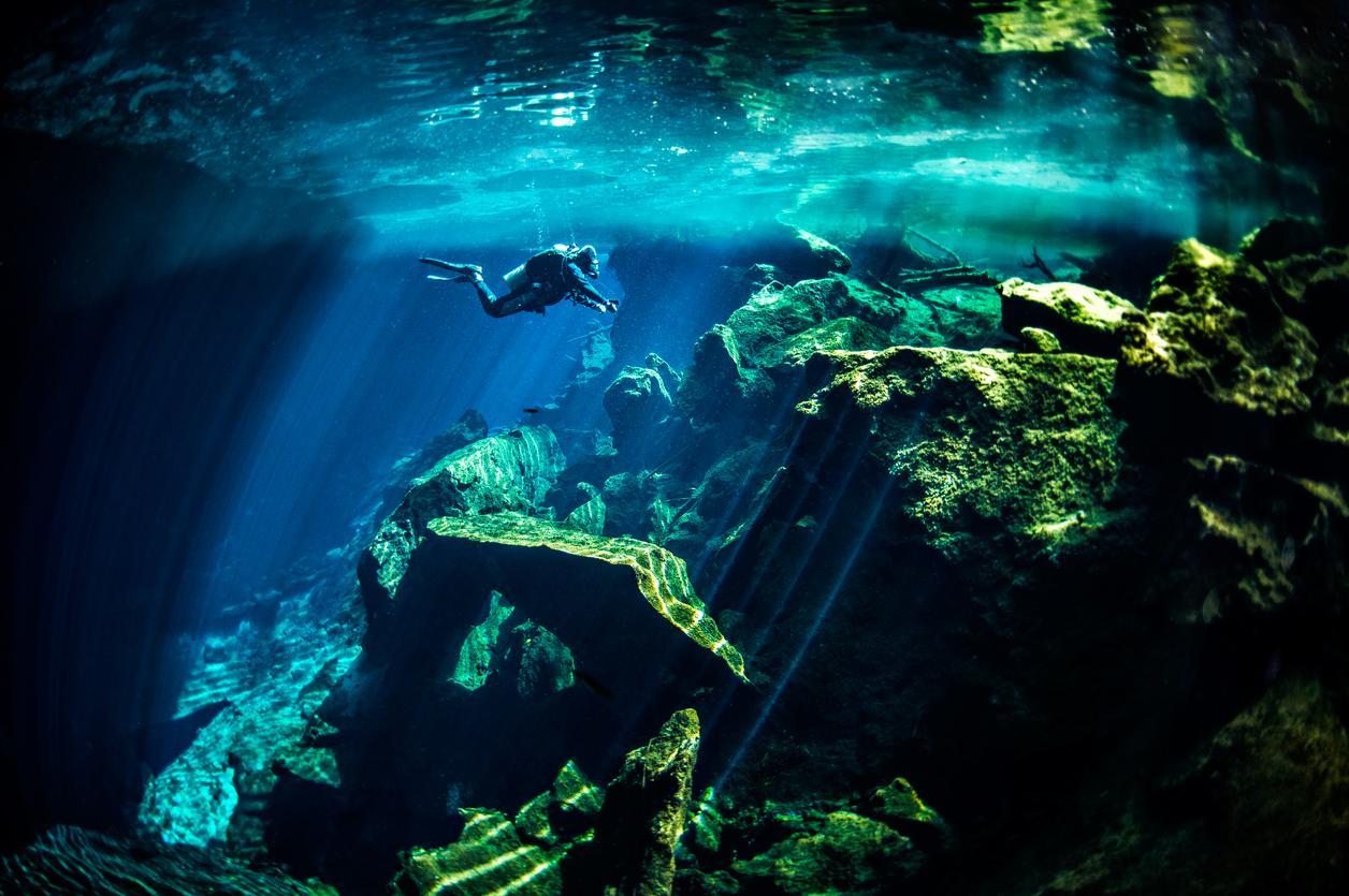 Bucear en Cenote, Mexico