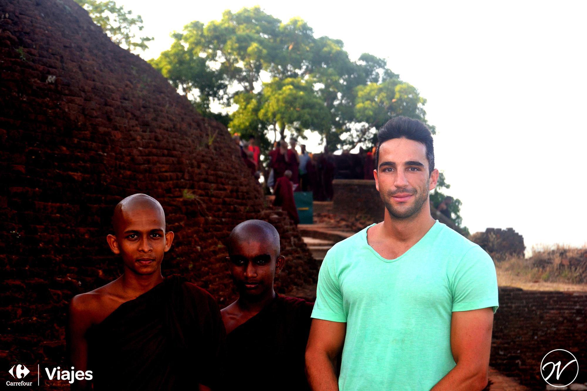 Aventuhero, Sri Lanka - Con los monjes de Sigiriya