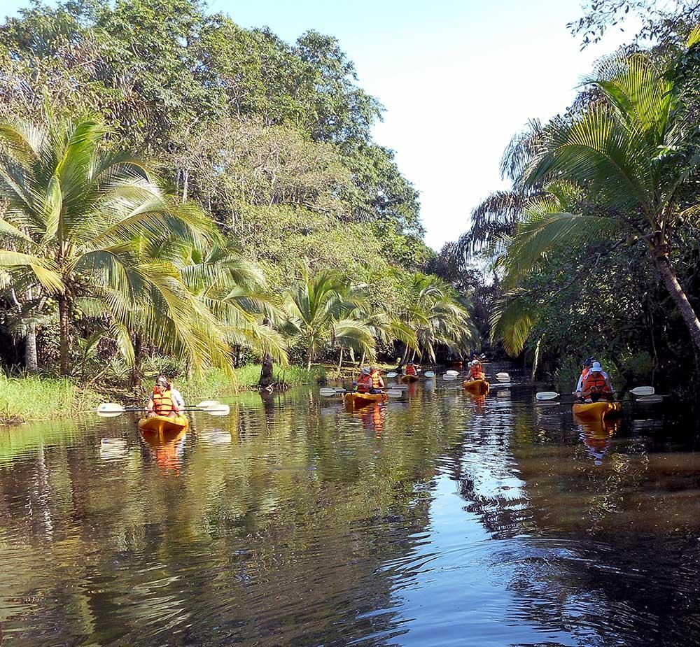 Costa Rica, Rio Celeste Kayaks
