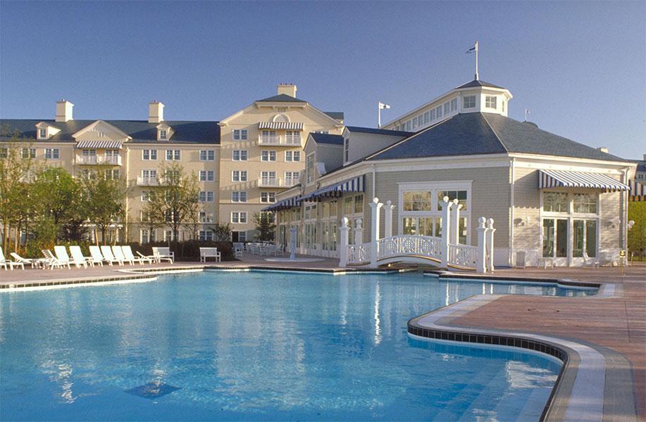 Viaje Disneyland a París Hotel Newport Bay Club