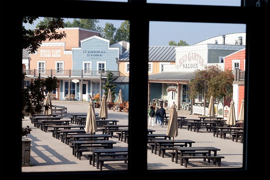 Viaje Disneyland a París Hotel Cheyenne