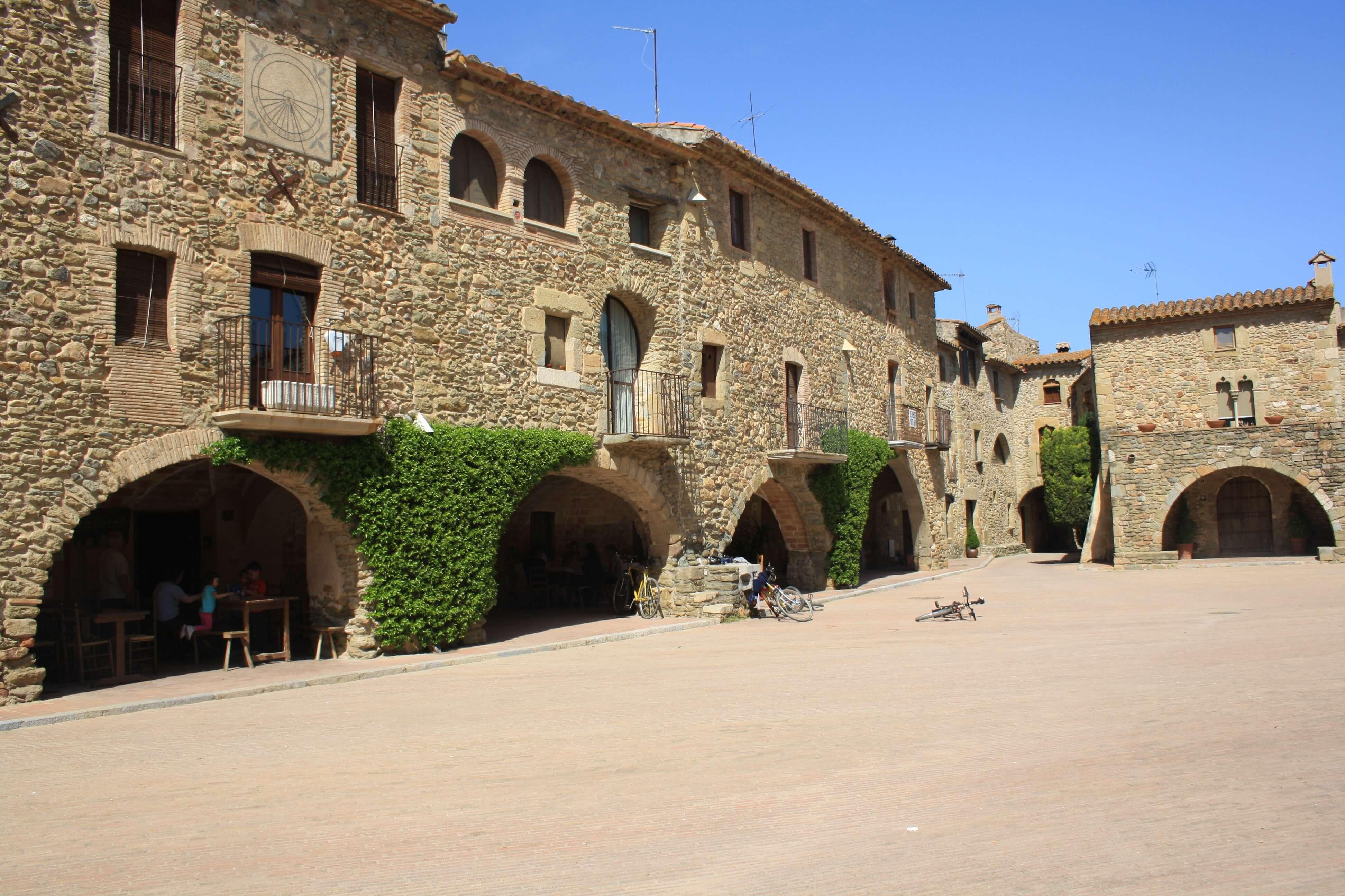Plaza de Monells