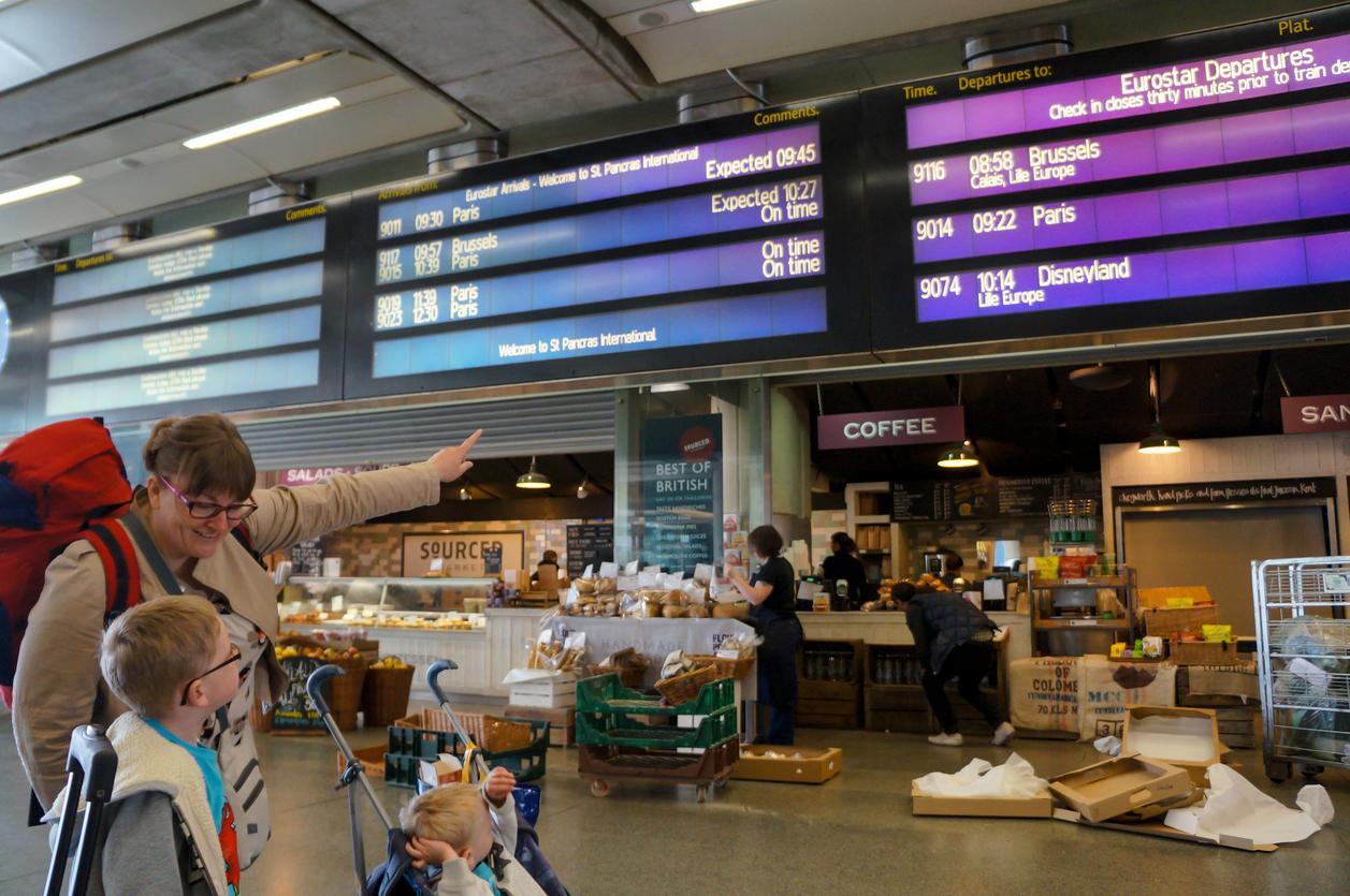 Viajar a Eurodisney: En la estación. Rumbo a Eurodisney