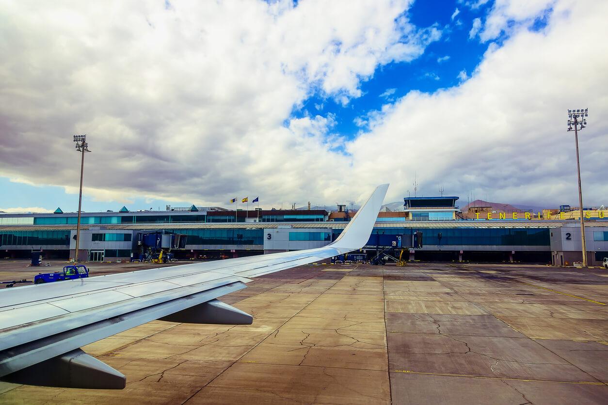 vacaciones en Tenerife, Aeropuerto de Tenerife