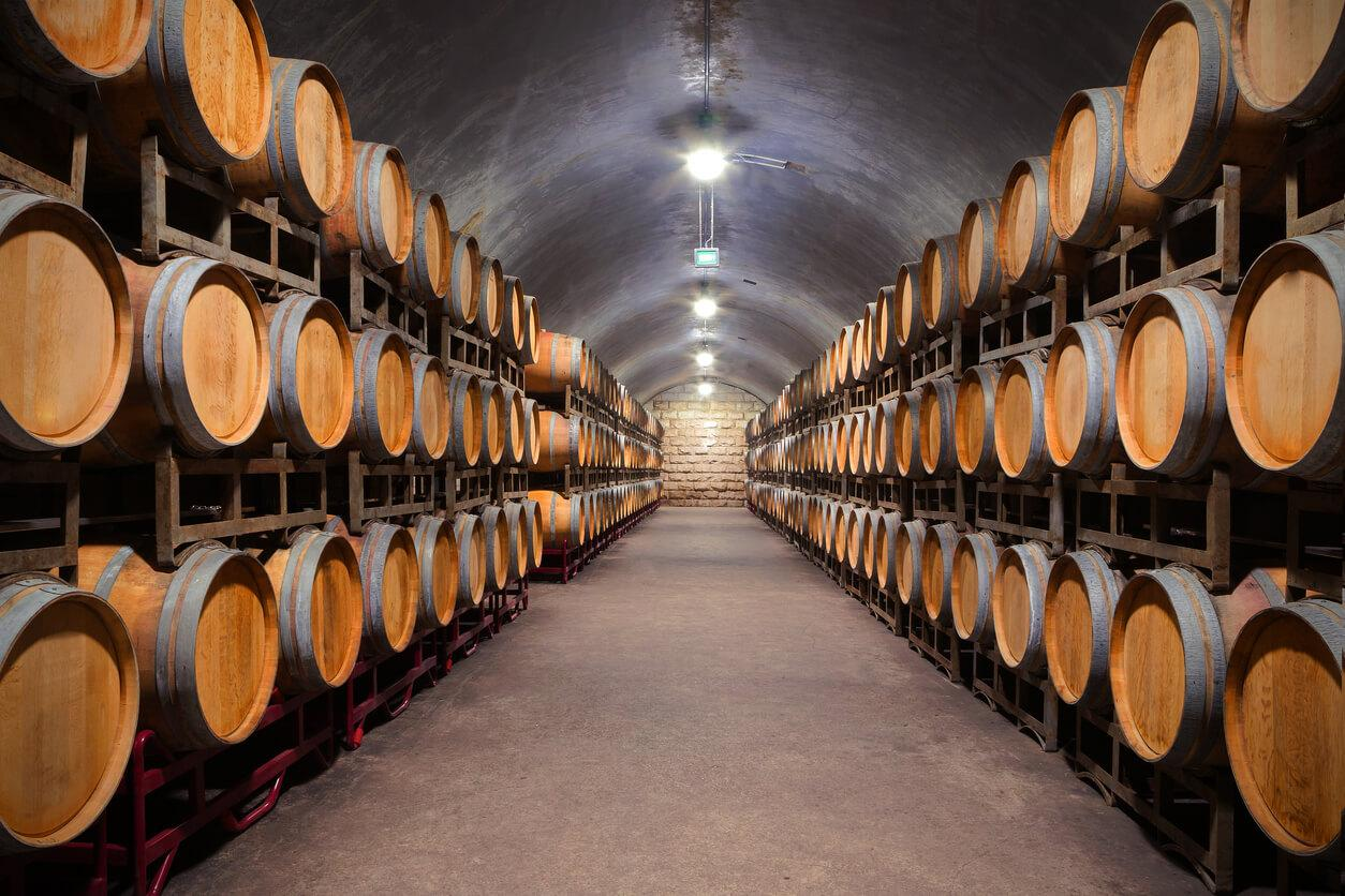 Subterráneo bodega de vinos