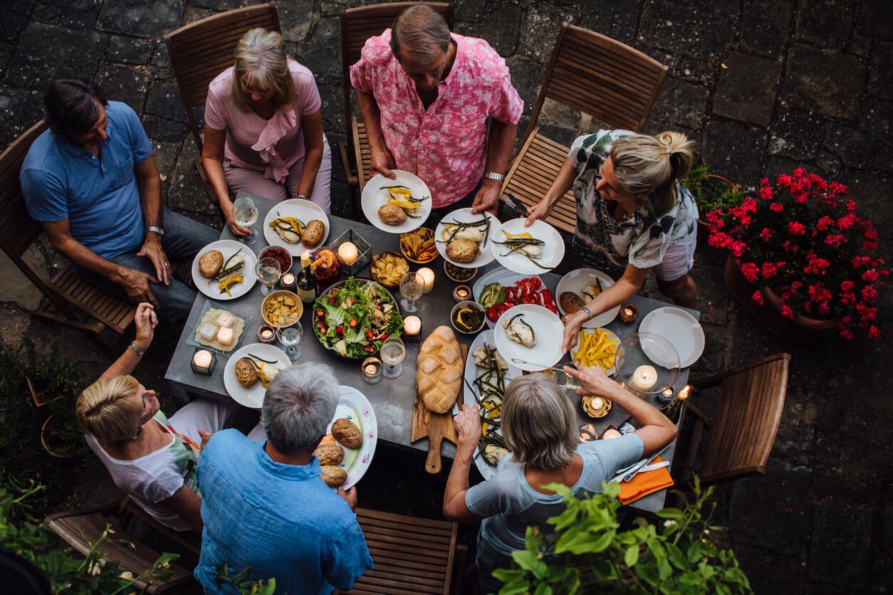motivos para viajar, Comida con familia y amigos