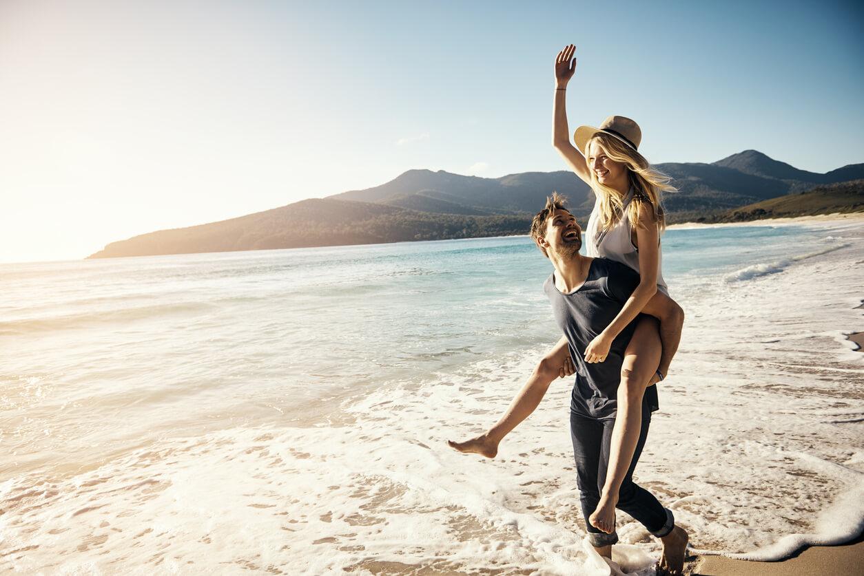 motivos para viajar, Pareja divirtiéndose
