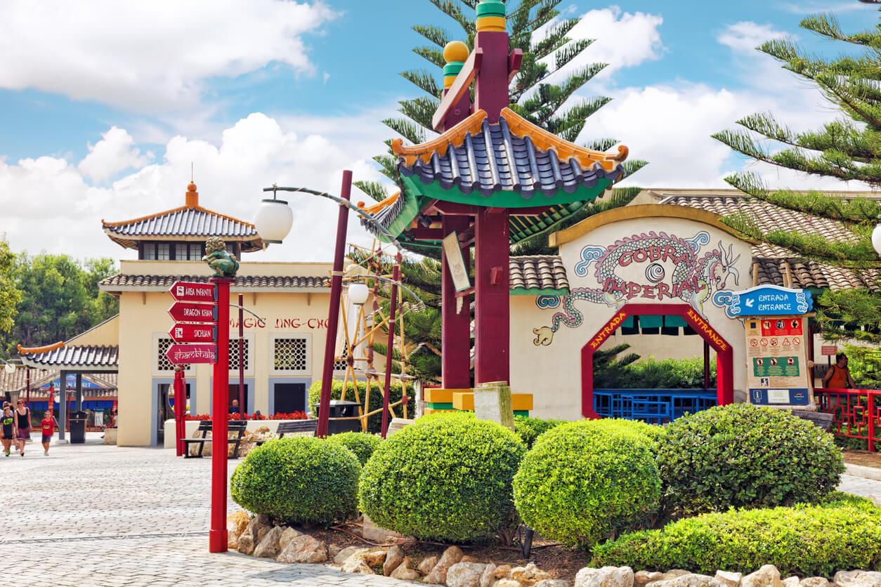 parque de atracciones en verano, Port Aventura, Tarragona