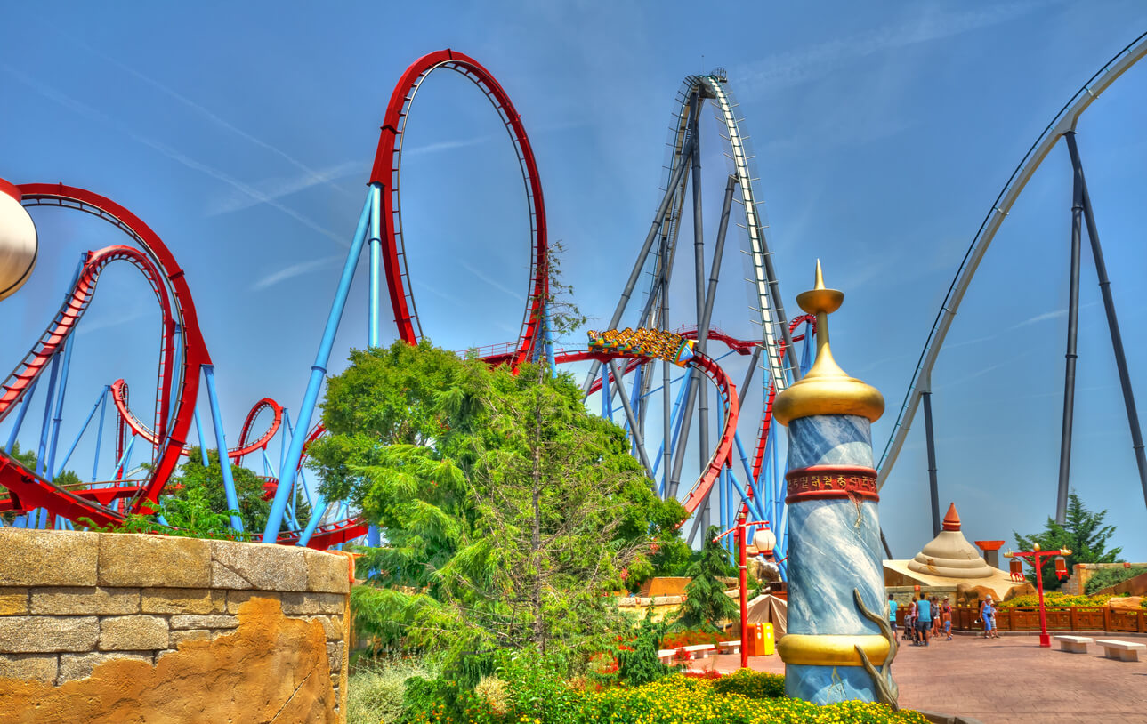 parque de atracciones en verano, Montaña rusa Shambala