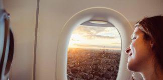 como perder el miedo a volar, Chica volando en avión