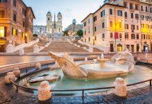 verano en Roma, Plaza de España