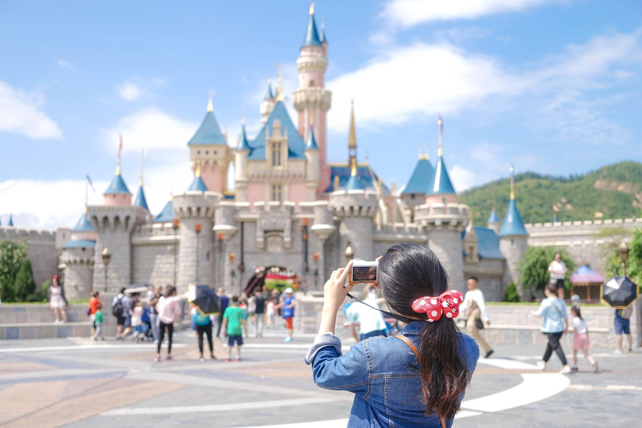 chica fotografia castillo disney