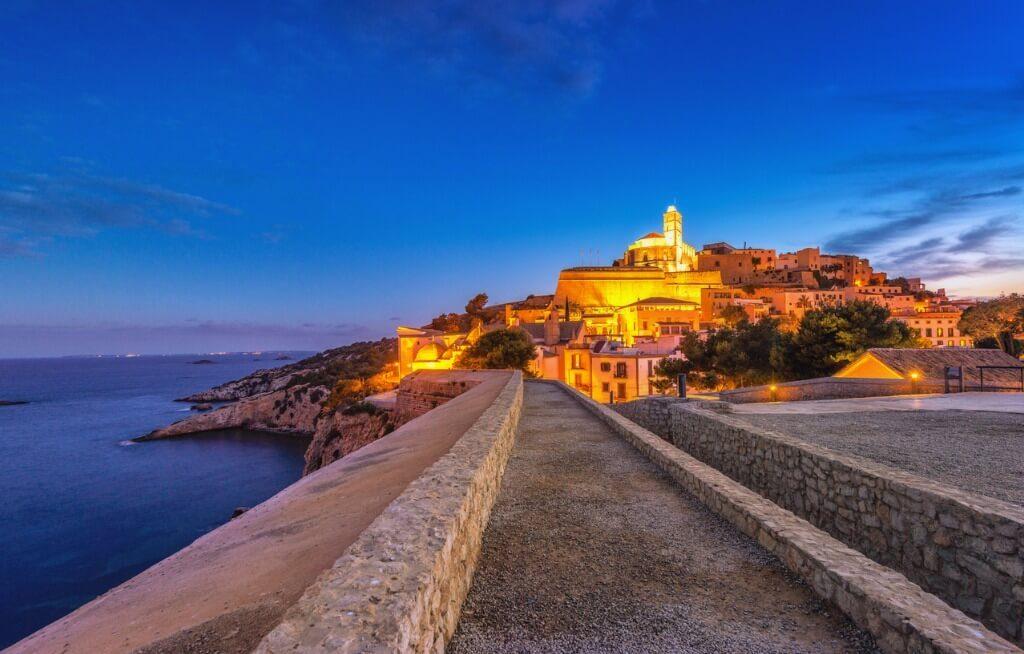 vuelos a Ibiza, Dalt Vila