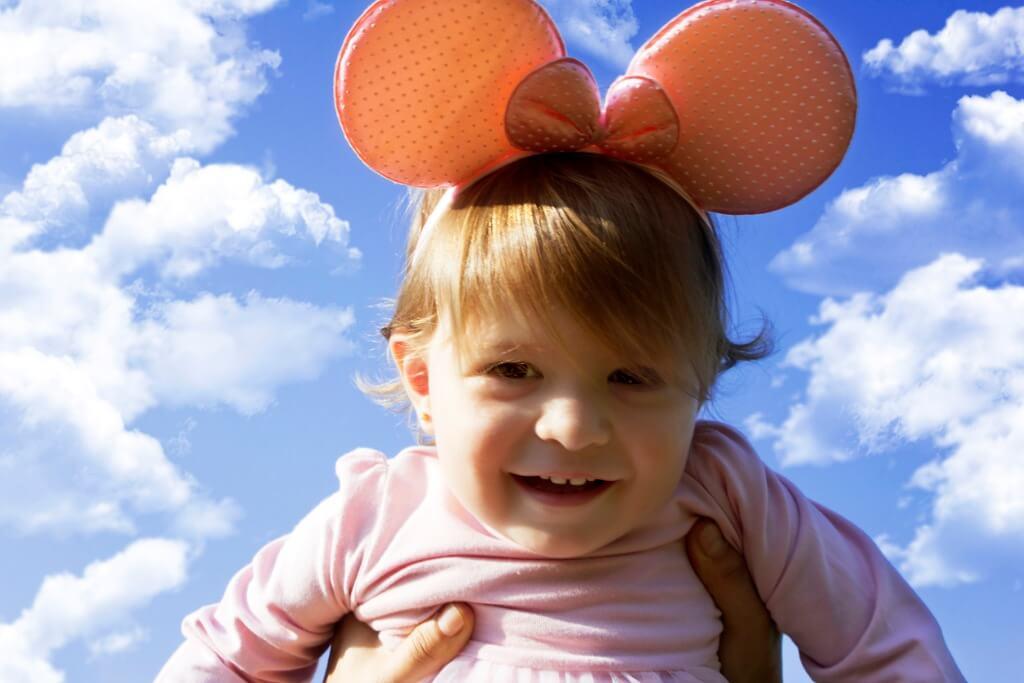 Frozen, Niña con orejas de Mickey Mouse