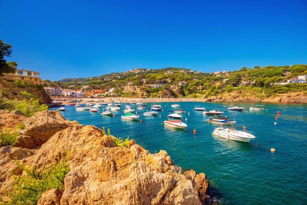 de Barcelona a Monaco, Begur