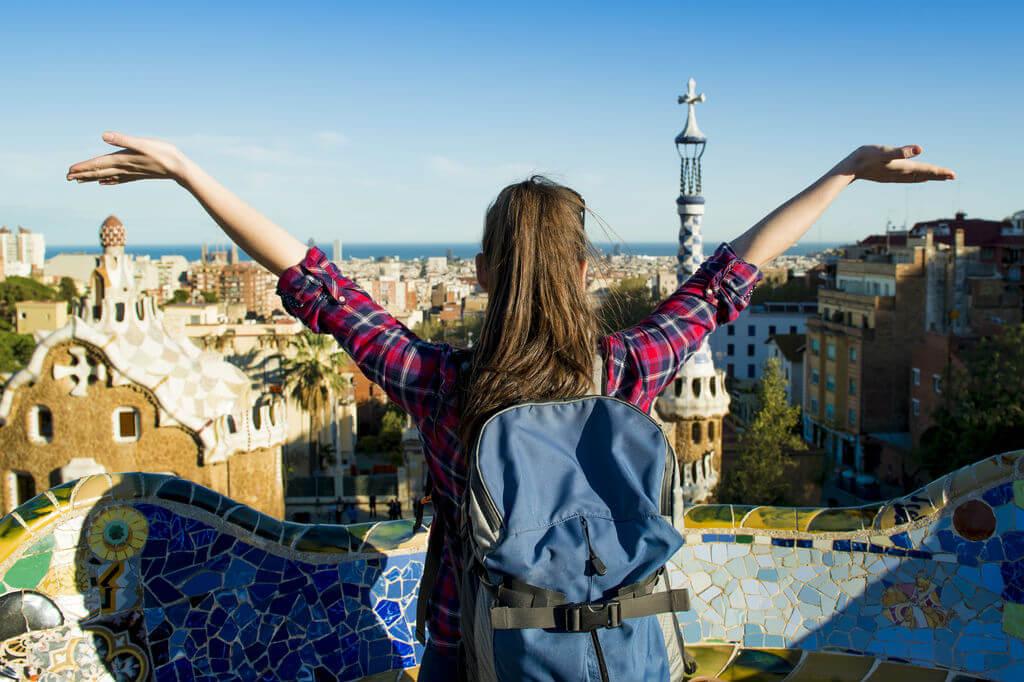 Diferencias entre el turista y el viajero, Viajera en Barcelona